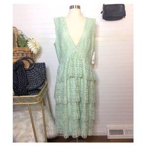 NEW Gianni Bini Lace Ruffle Tiered Midi Dress